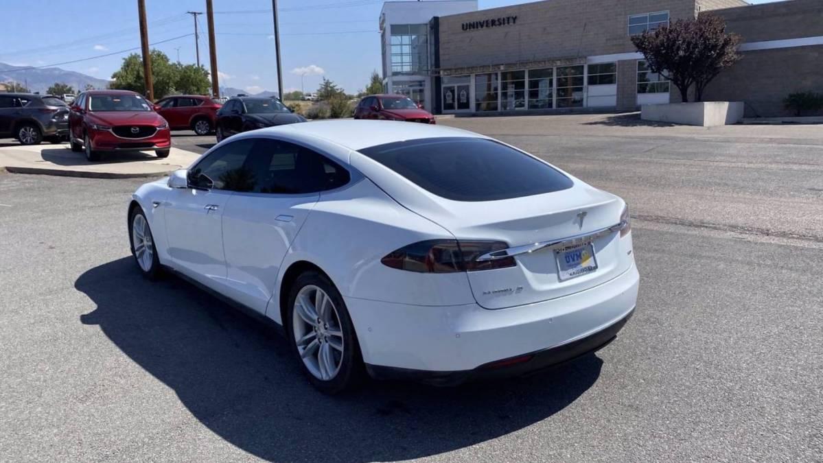2015 Tesla Model S 5YJSA1S25FF097880