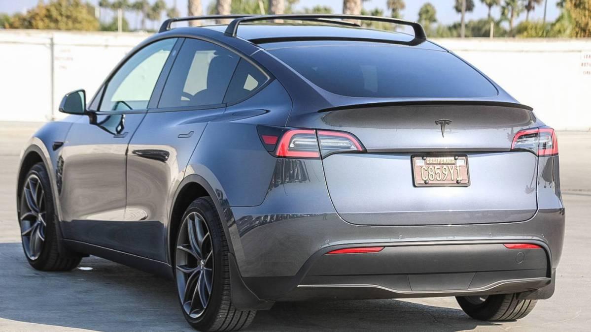 2021 Tesla Model Y 5YJYGDEE8MF119061