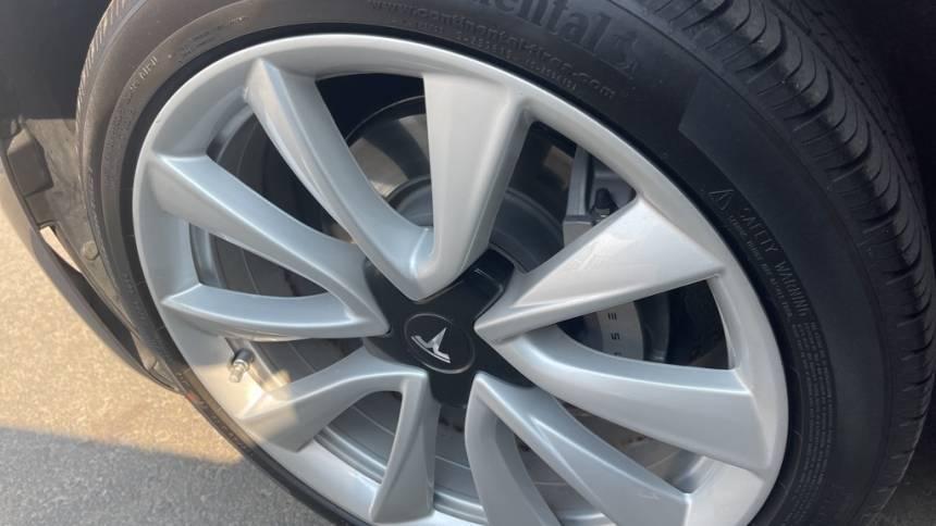 2018 Tesla Model 3 5YJ3E1EA1JF011968