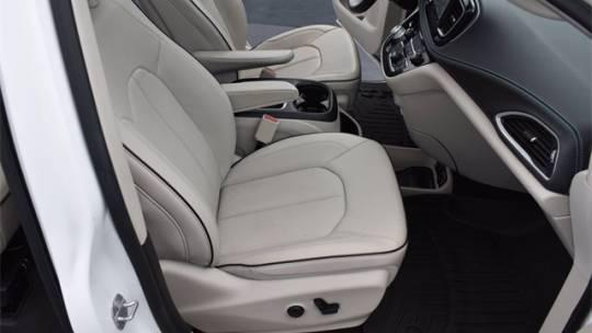2018 Chrysler Pacifica Hybrid 2C4RC1N77JR276337
