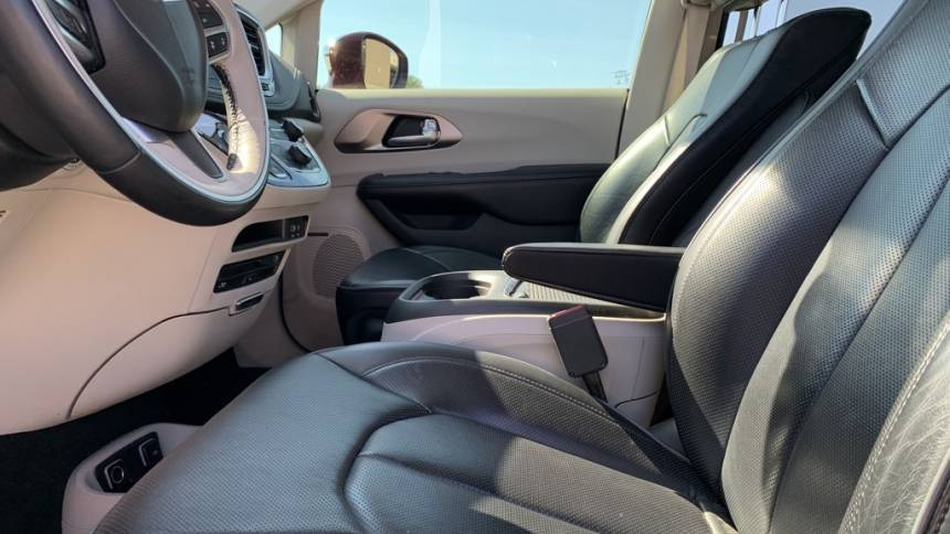 2018 Chrysler Pacifica Hybrid 2C4RC1N71JR213525