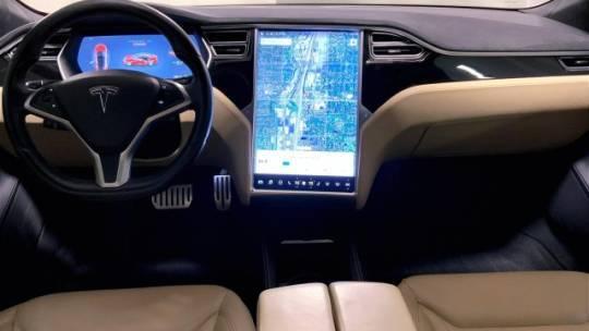 2016 Tesla Model S 5YJSA1E43GF128705