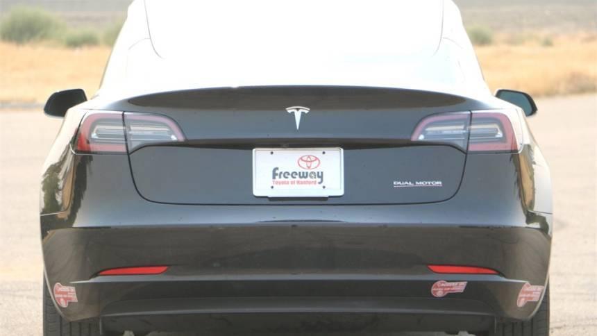 2018 Tesla Model 3 5YJ3E1EB3JF071324
