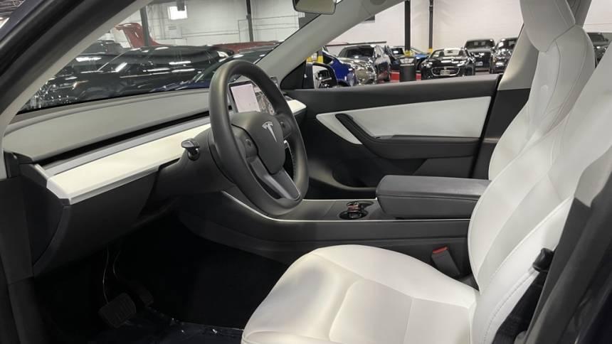 2020 Tesla Model Y 5YJYGDEE8LF043727