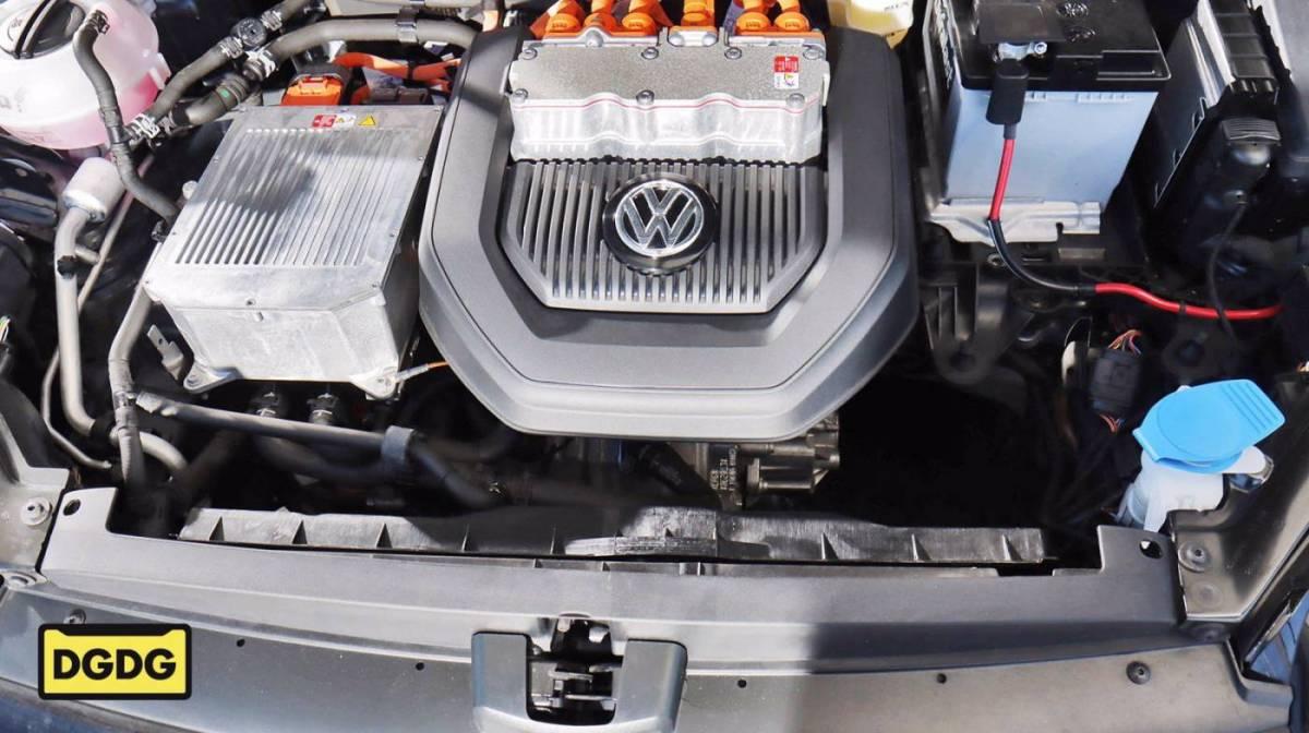 2016 Volkswagen e-Golf WVWKP7AU6GW914856