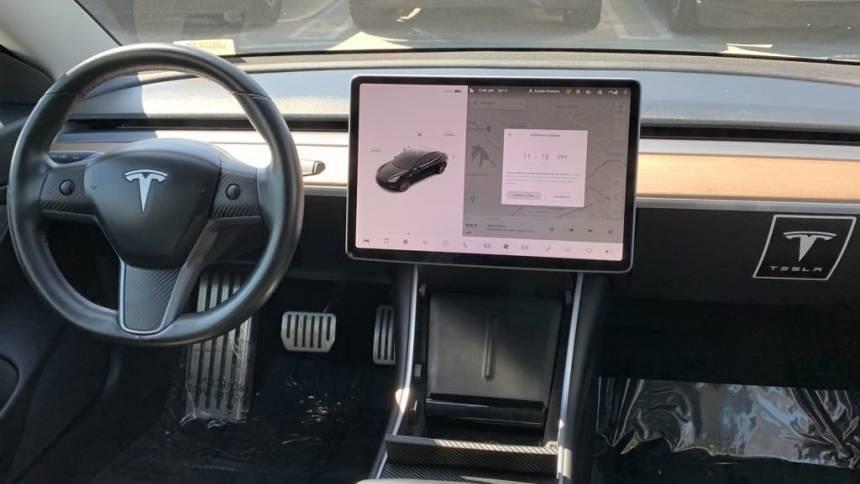2018 Tesla Model 3 5YJ3E1EB5JF105439
