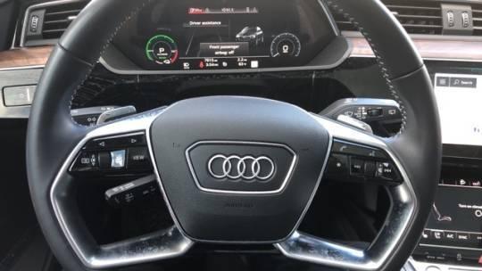 2019 Audi e-tron WA1VAAGE7KB022718