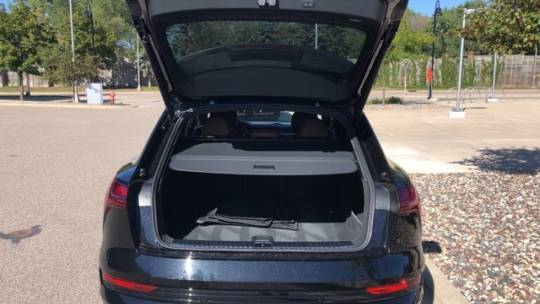 2019 Audi e-tron WA1LAAGE9KB023067