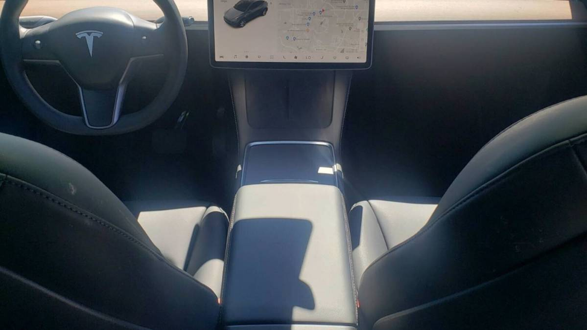 2021 Tesla Model Y 5YJYGDEE6MF130656