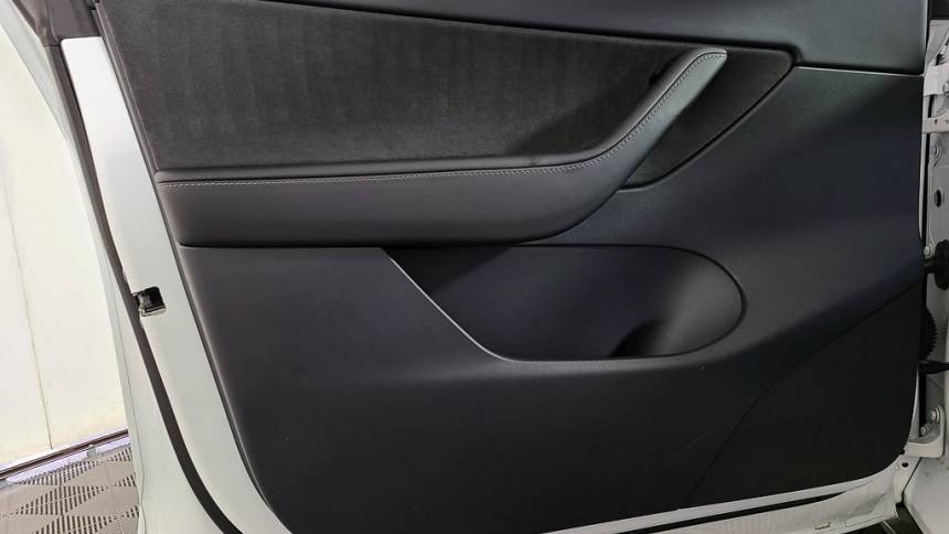 2020 Tesla Model Y 5YJYGDEE5LF006540