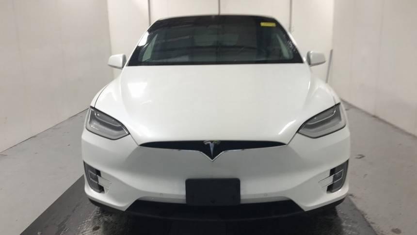 2018 Tesla Model X 5YJXCDE29JF088119