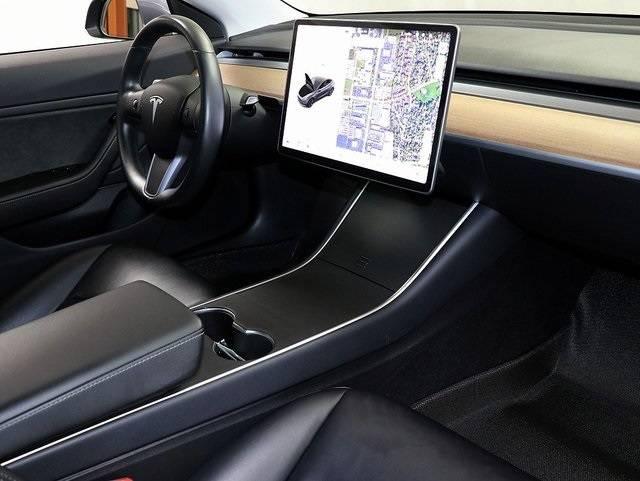 2018 Tesla Model 3 5YJ3E1EB2JF066440