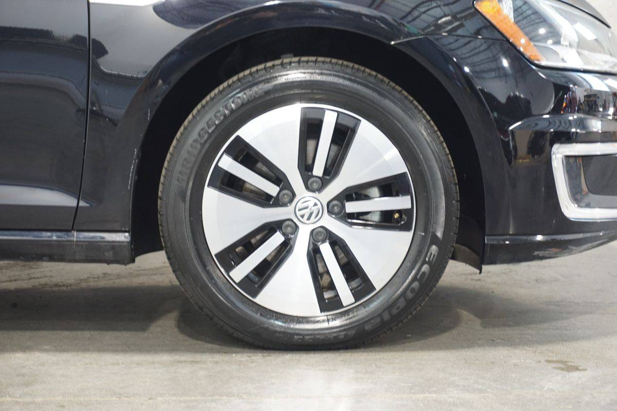 2016 Volkswagen e-Golf WVWKP7AU4GW913835