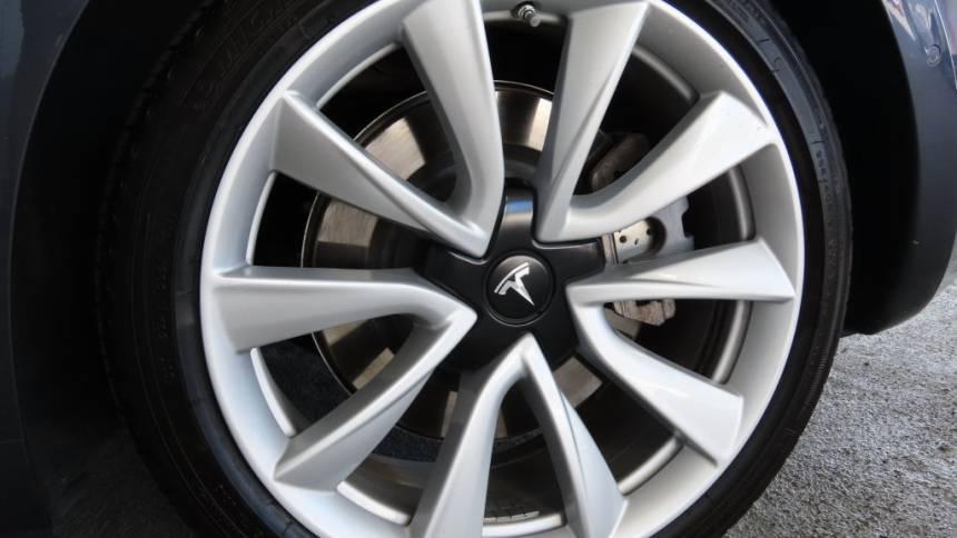 2018 Tesla Model 3 5YJ3E1EA0JF017776
