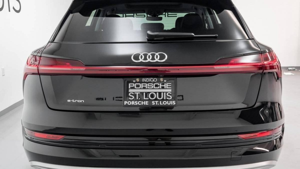 2019 Audi e-tron WA1VAAGE8KB006415
