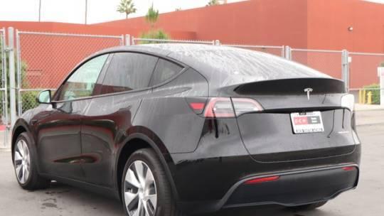 2021 Tesla Model Y 5YJYGDEE4MF228309