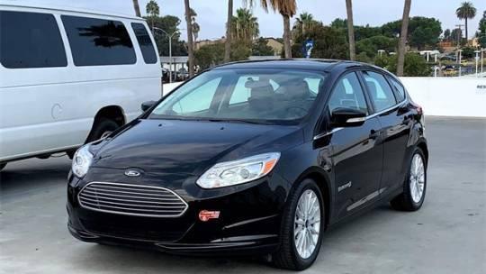 2017 Ford Focus 1FADP3R44HL325142