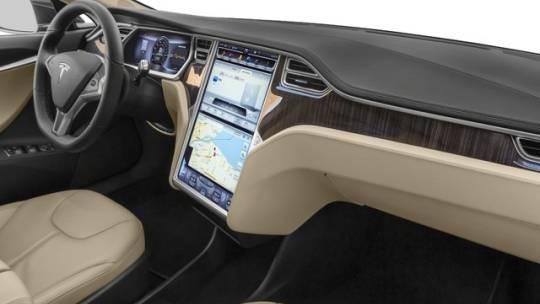 2015 Tesla Model S 5YJSA4H27FFP79555