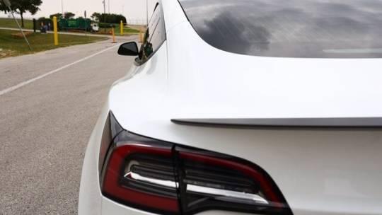2019 Tesla Model 3 5YJ3E1EB1KF422121