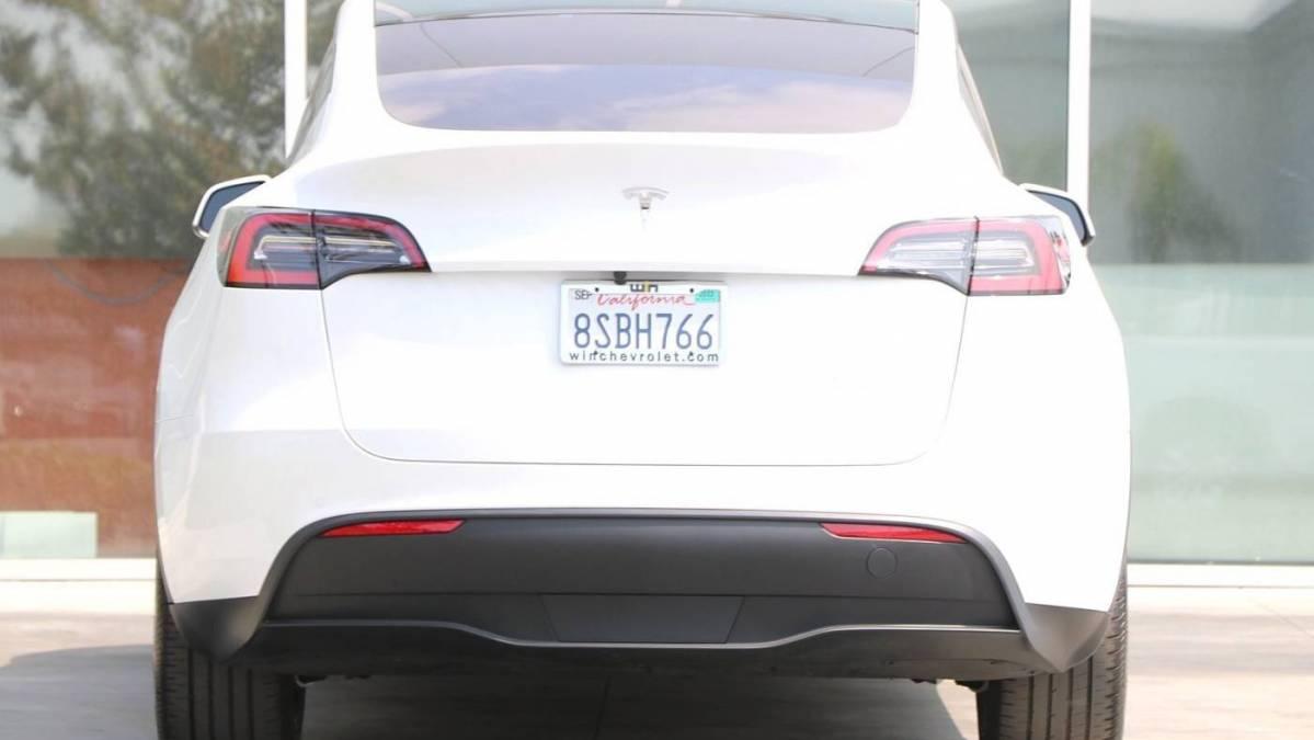 2020 Tesla Model Y 5YJYGDEE2LF042928
