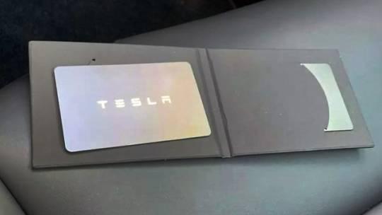 2021 Tesla Model Y 5YJYGAEE0MF244960