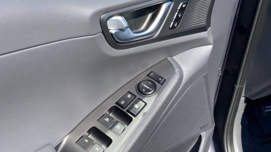 2019 Hyundai IONIQ KMHC75LD0KU107089