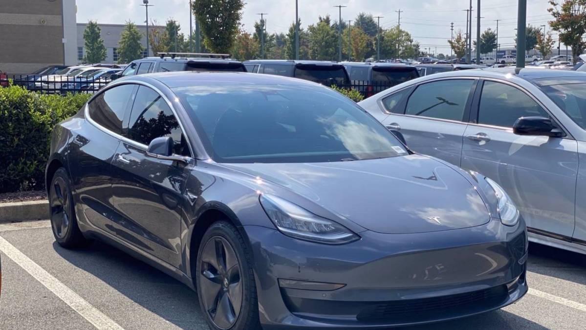 2019 Tesla Model 3 5YJ3E1EB2KF209680
