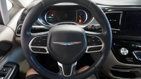 2018 Chrysler Pacifica Hybrid 2C4RC1L72JR194776