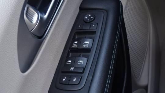 2018 Chrysler Pacifica Hybrid 2C4RC1L78JR129348