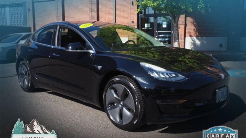 2018 Tesla Model 3 5YJ3E1EAXJF123166