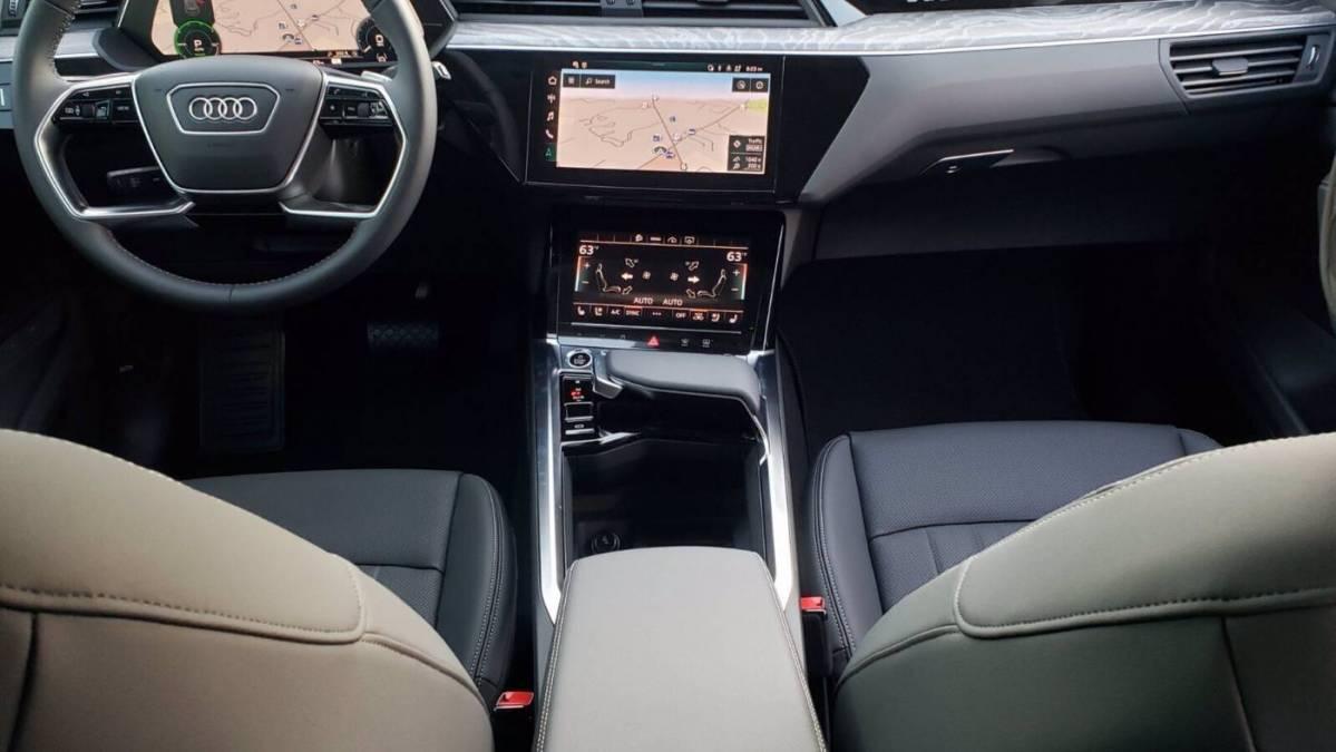 2021 Audi e-tron WA1LABGE8MB021822