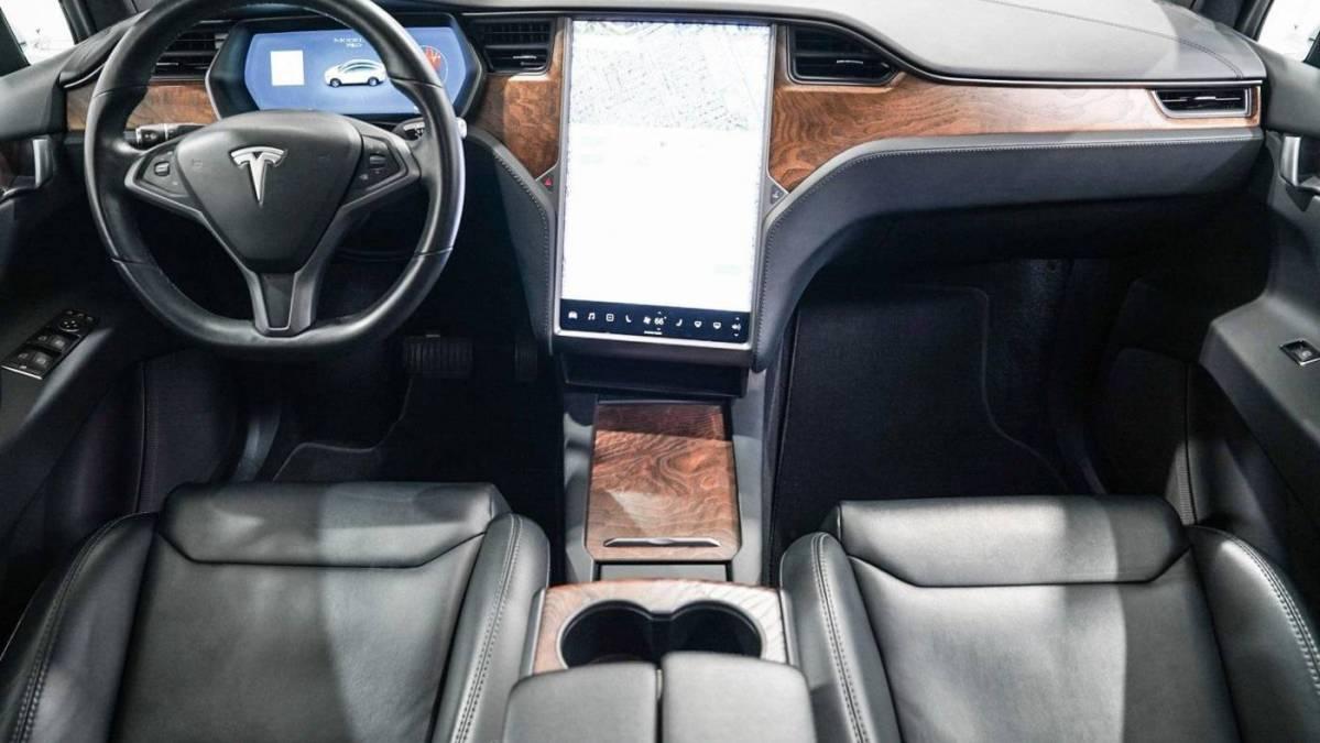 2018 Tesla Model X 5YJXCAE21JF112976