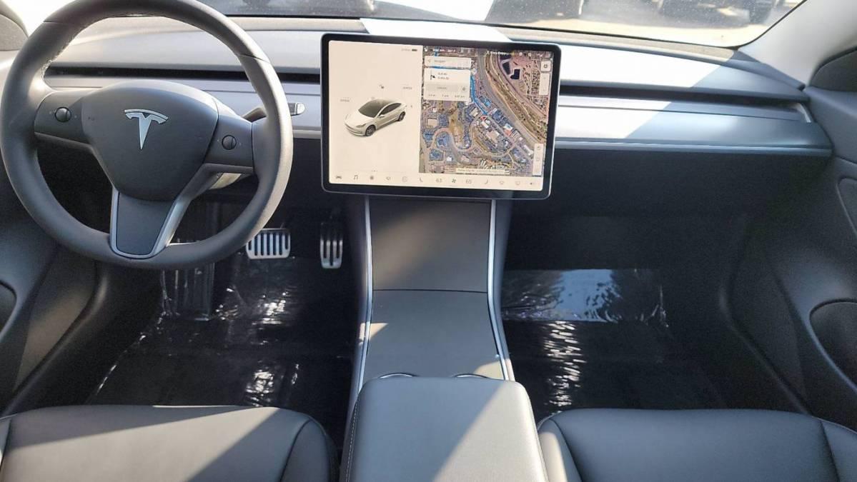 2019 Tesla Model 3 5YJ3E1EB0KF437001