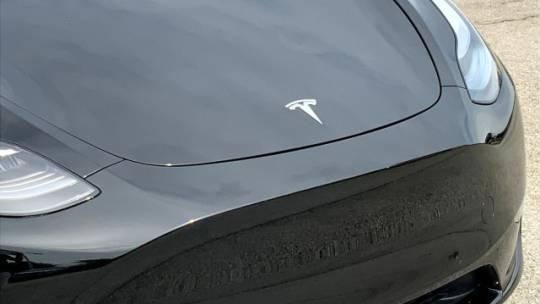 2021 Tesla Model Y 5YJYGAEEXMF186369