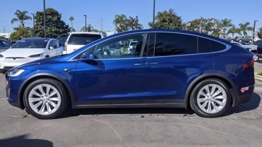 2018 Tesla Model X 5YJXCDE23JF100944