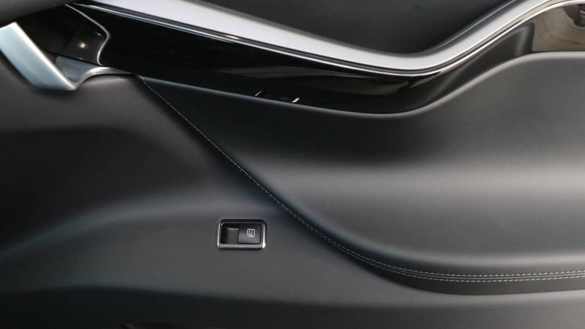 2018 Tesla Model X 5YJXCDE22JF103088