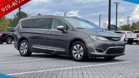 2018 Chrysler Pacifica Hybrid 2C4RC1N78JR118623