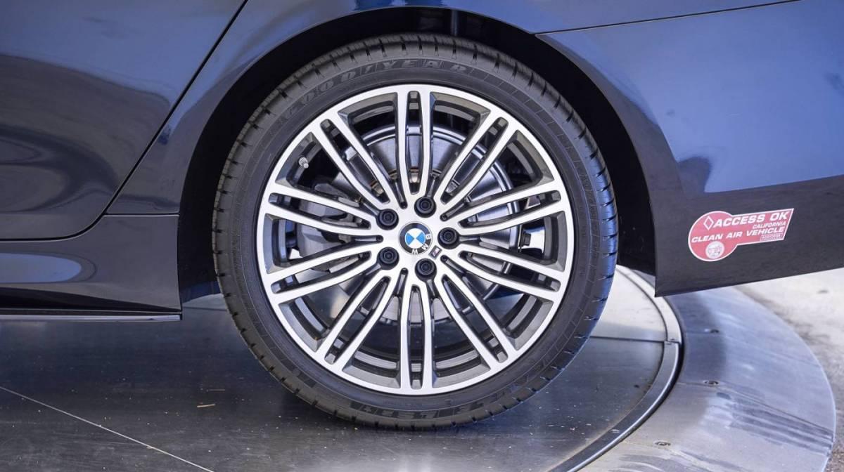 2018 BMW 5 Series WBAJA9C58JB251784