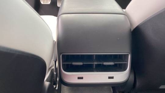 2018 Tesla Model 3 5YJ3E1EB5JF080011