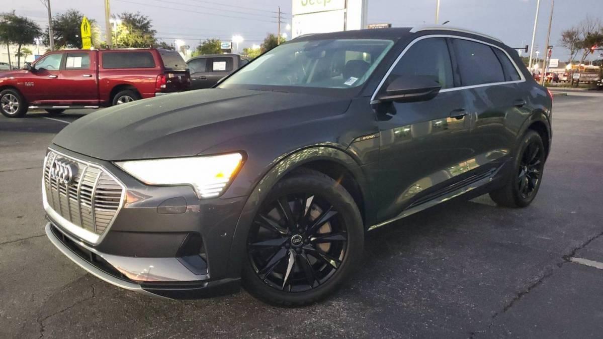 2019 Audi e-tron WA1LAAGE4KB024384