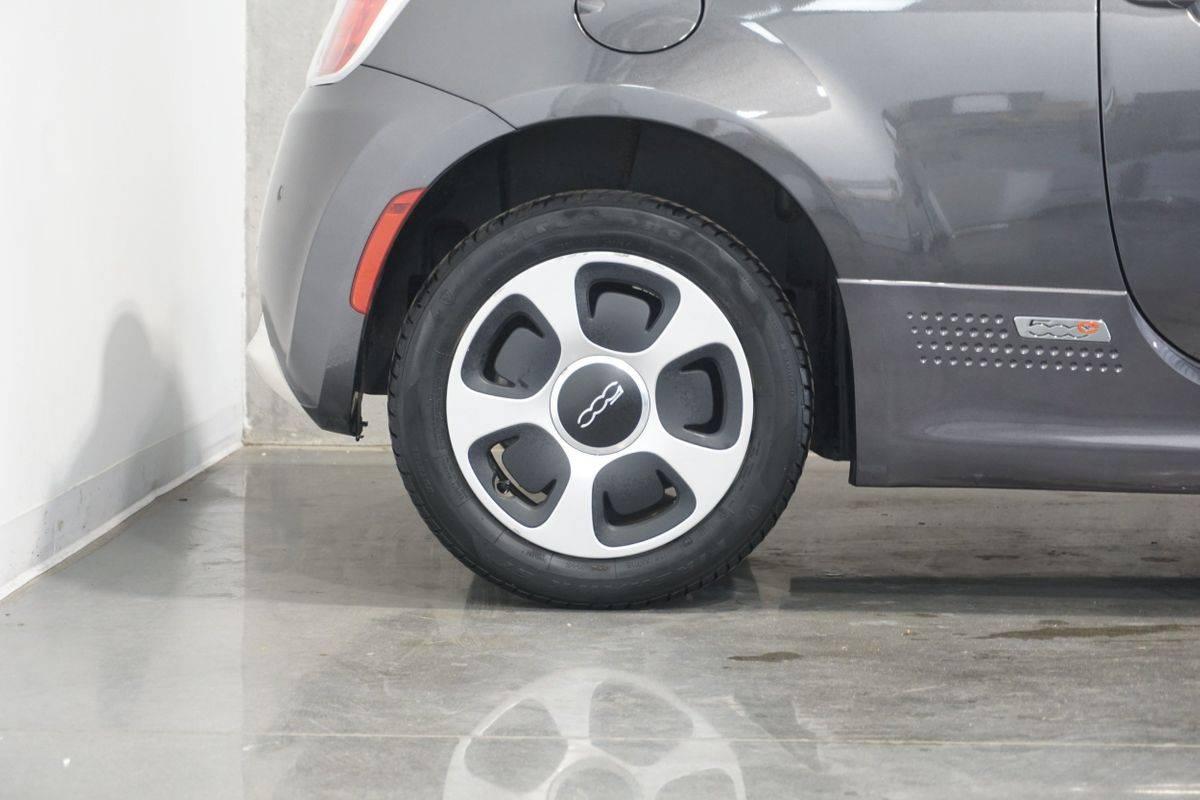 2018 Fiat 500e 3C3CFFGE7JT471670