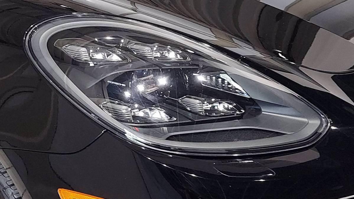 2018 Porsche Panamera WP0BH2A77JL172096