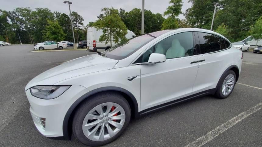2020 Tesla Model X 5YJXCBE43LF233258