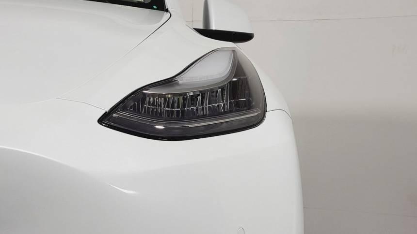 2020 Tesla Model Y 5YJYGDEE2LF050429