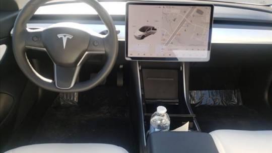2019 Tesla Model 3 5YJ3E1EB3KF437199