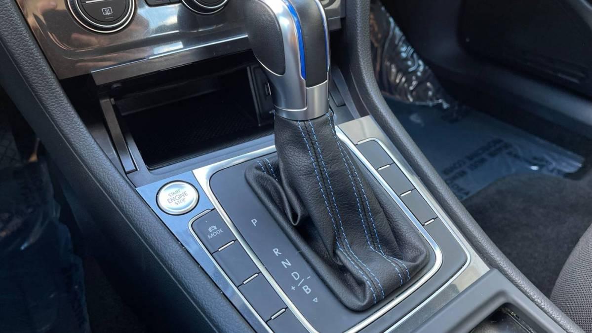 2019 Volkswagen e-Golf WVWKR7AU3KW914204