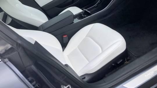 2018 Tesla Model 3 5YJ3E1EB9JF085468