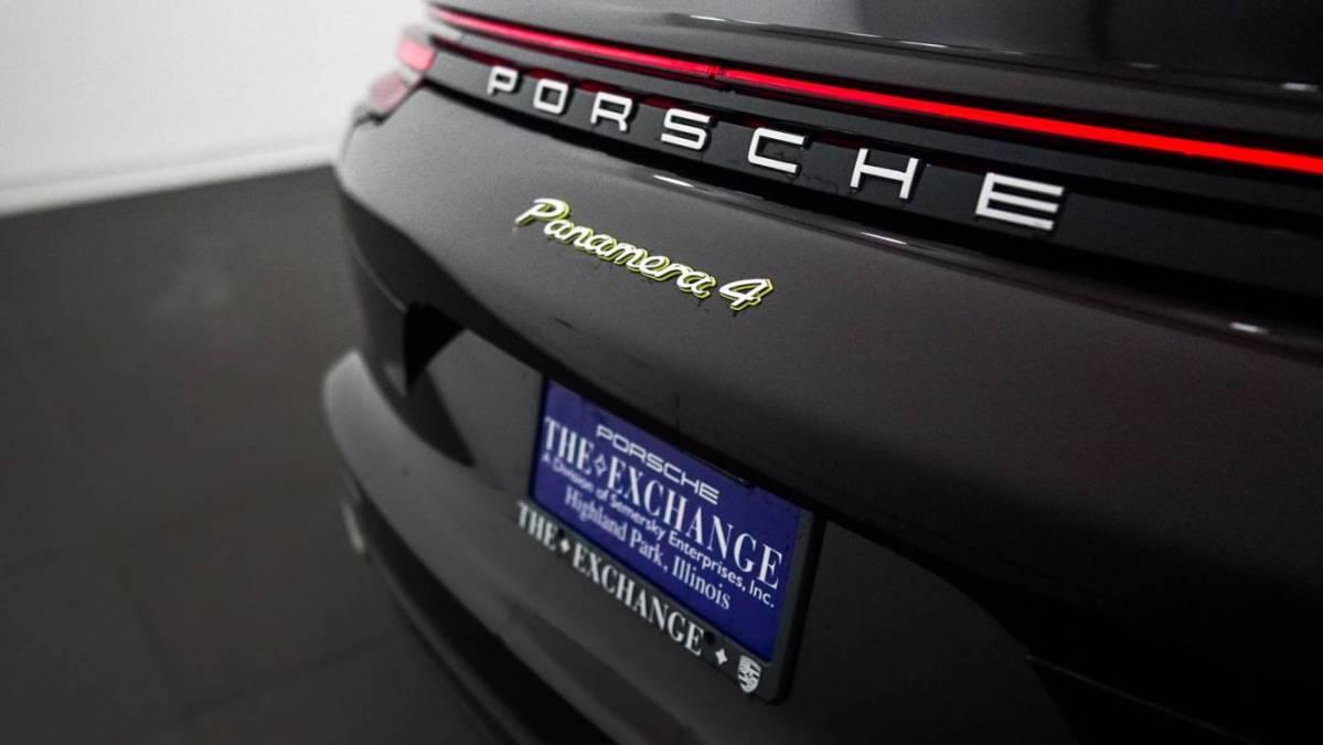 2018 Porsche Panamera WP0AE2A79JL128900