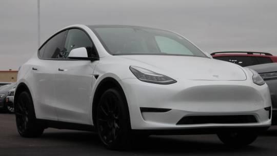 2020 Tesla Model Y 5YJYGDEE2LF011100