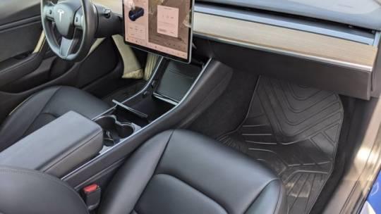2019 Tesla Model 3 5YJ3E1EAXKF400786